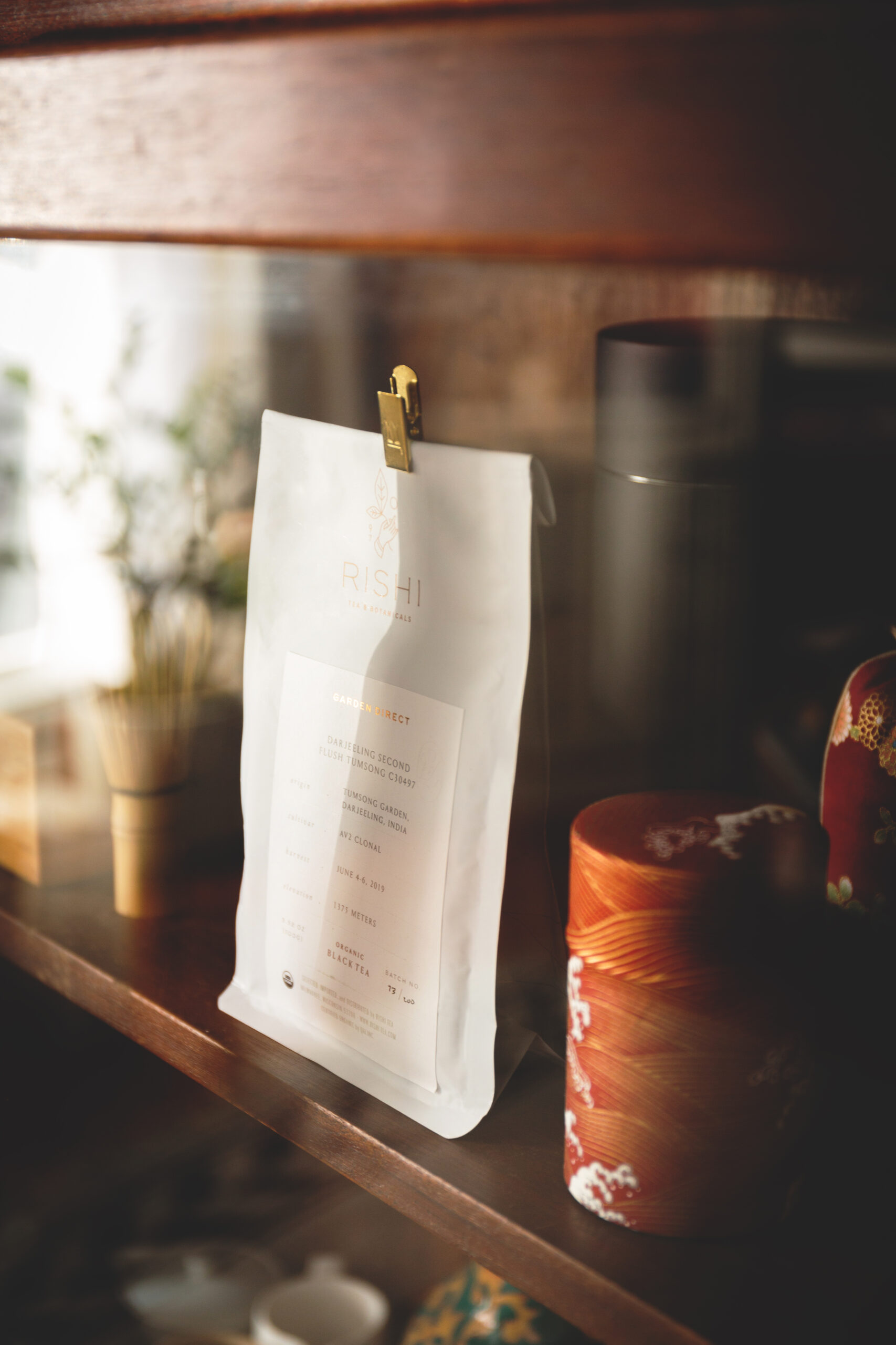 garden-direct-stylized-white-bag-shelf